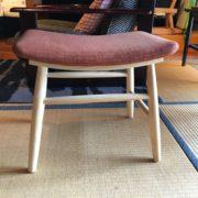子供用の椅子。高さ40cm。